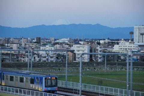 東横線と多摩川浅間神社