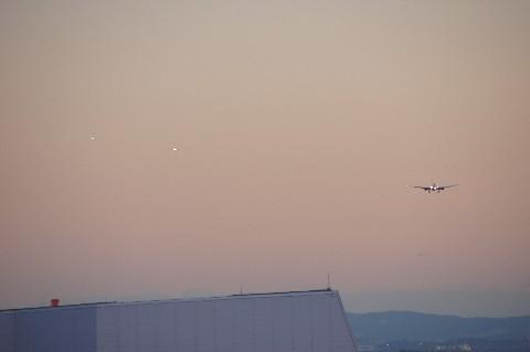 連なる飛行機