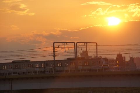 夕日と東急線