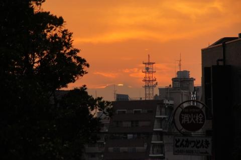 富士山に没する太陽