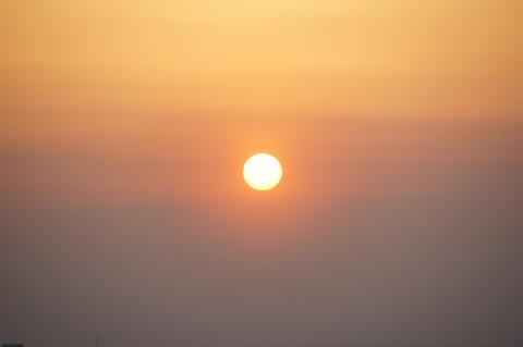 月食中の太陽