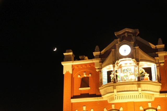 からくり時計と月と火星