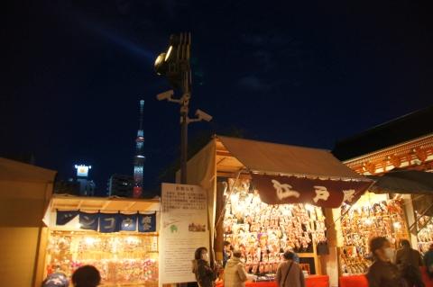 羽子板市と東京スカイツリー