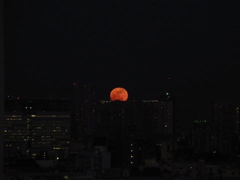 今年最初の満月の出