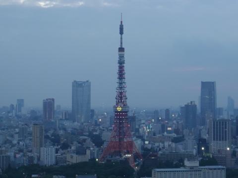 ドラえもんの鈴が灯った東京タワー