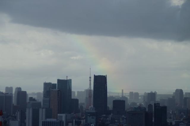 東京タワーに架かる虹
