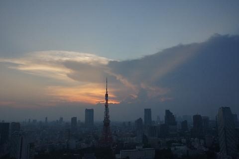 東京タワーと光芒