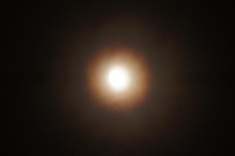 十三夜の月光環