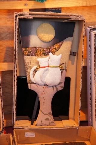 お月見ネコの羽子板
