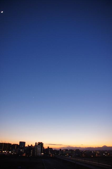 月・金星・富士山の共演