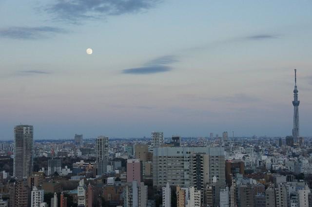 東京スカイツリーと十五夜