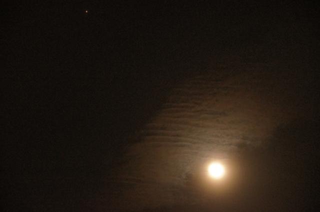 火星と寝待月