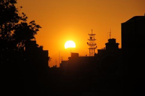 富士山に沈みゆく夕日