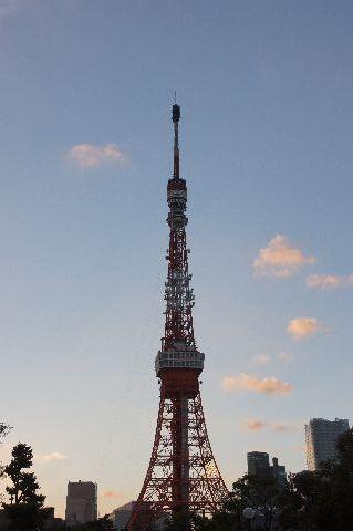 アンテナがもどった東京タワー