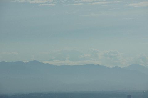 真夏の富士山の稜線
