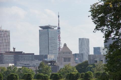 東京タワーと国会議事堂