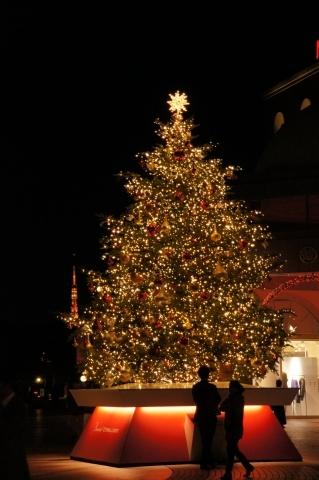 クリスマスツリーの飾りになった東京タワー
