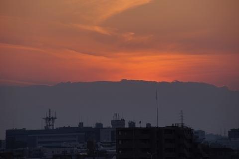 富士山も夕陽も全く見えず