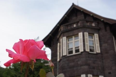 芳純という名の薔薇と洋館