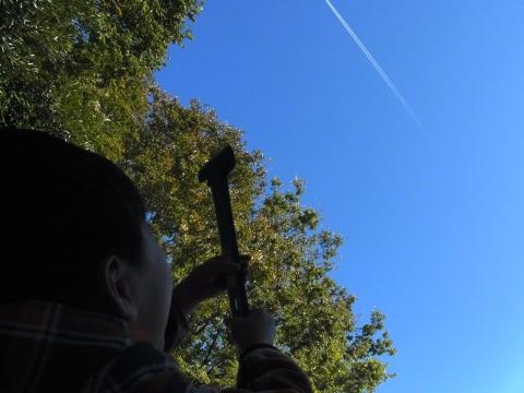 飛行機雲を捕まえる