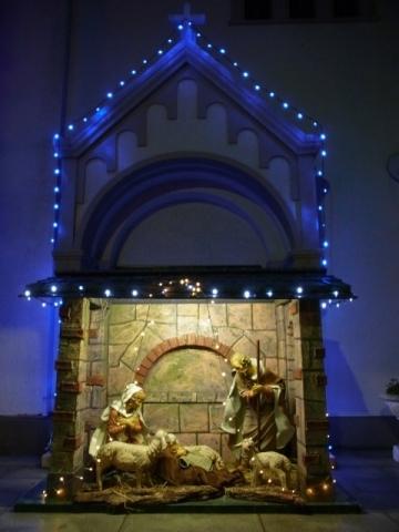 教会前の馬小屋の飾り