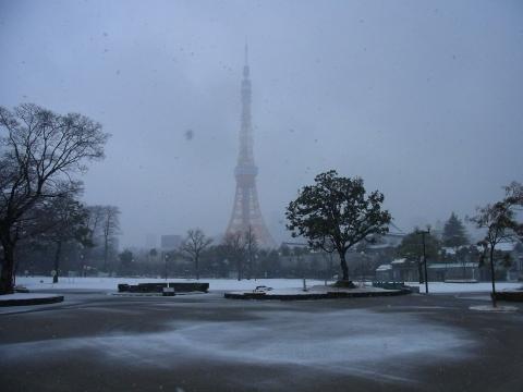 y拭きの中の東京タワー