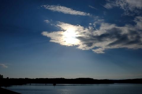 狭山湖に降り注ぐ光芒2