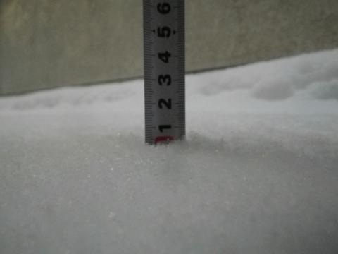 門の前の積雪