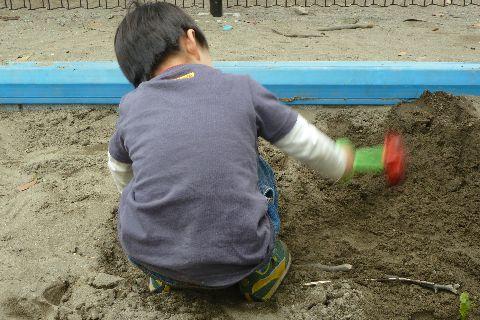 砂場の悠真