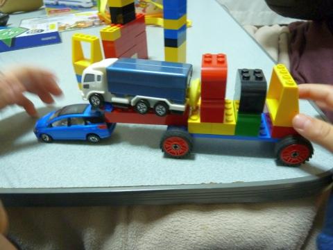 おふろDEトミカ カラーチェンジ水てっぽう トラック