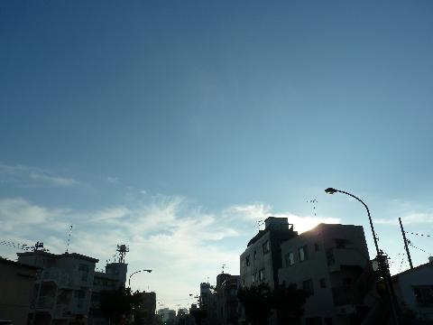 入道雲の消えた空