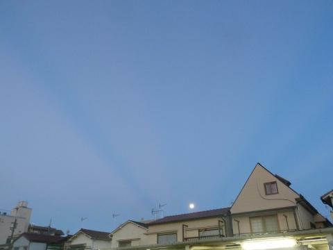 反薄明光線と中秋の名月