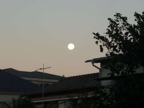 日の出時刻の中秋の名月