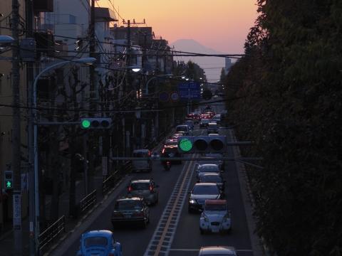 歩道橋から富士山