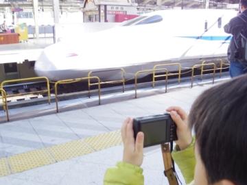 N700Aを撮影する悠真