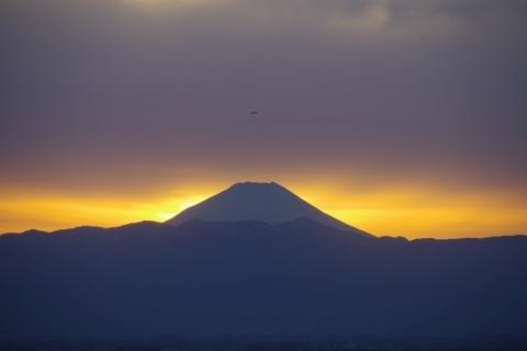 金色に縁取られた富士山
